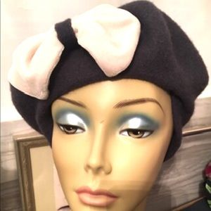 Chinese Laundry Wool Pink Bow Charcoal Beret Hat